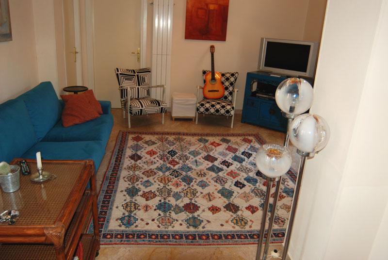 Come lavare un tappeto una piccola guida video - Lavare tappeti in casa ...