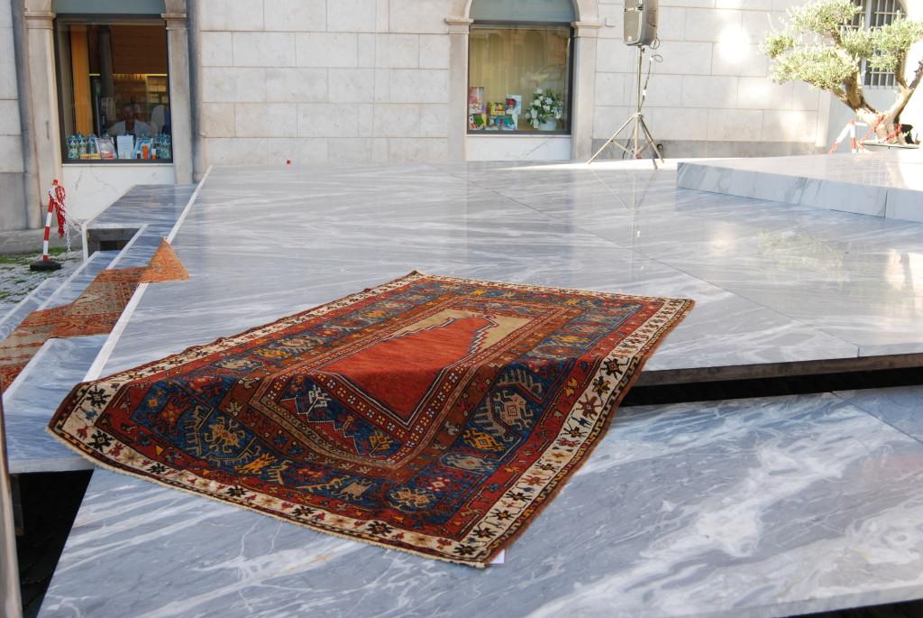Tappeti anatolici antichi a carrara morandi tappeti blog for Piani di fattoria del 19 secolo