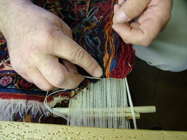 Una Tradizione Vecchia di Secoli: Come Vengono Realizzati i Tappeti Annodati a Mano