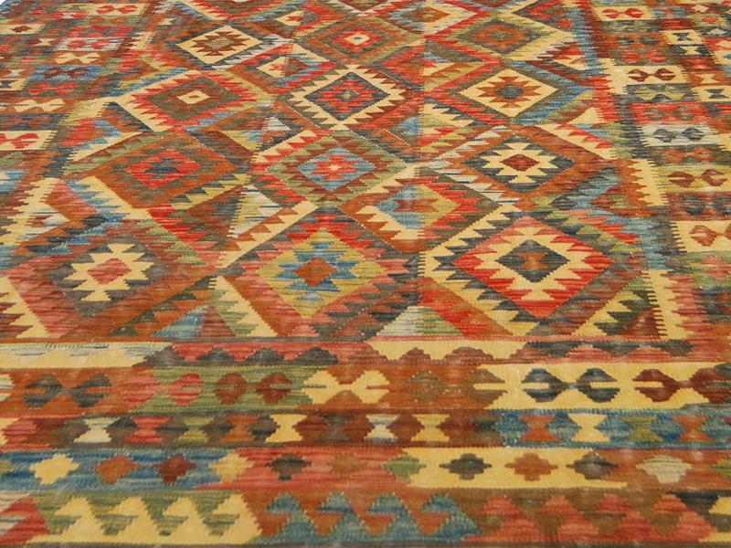 Tappeti Kilim Afgani : Nuovo tocco cromatico dei kilim afgani. morandi tappeti